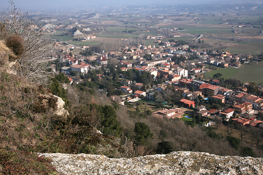 Tona des del turó del Castell                    © Imatge Jordi Bastart