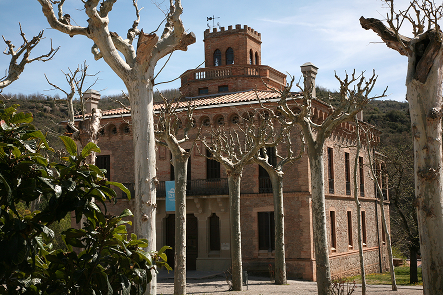 Viladomiu Nou. Torre de l'Amo                    © Imatge Jordi Bastart
